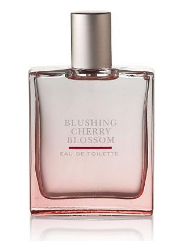 Bath and Body Works Blushing Cherry Blossom Kadın Parfümü