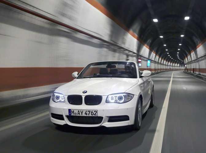 BMW 1 Series Convertible 118i (2014)