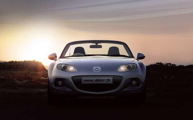 Mazda MX-5 Roadster Coupe 1.8i SE (2014)