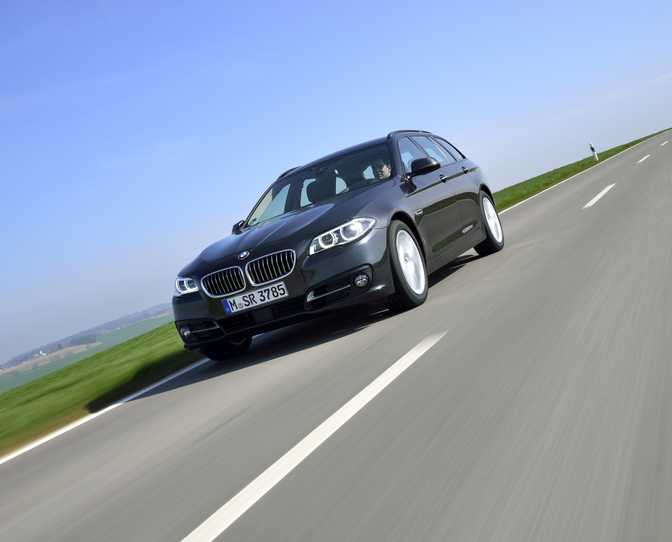 BMW Series 5 Touring 528i (2014)