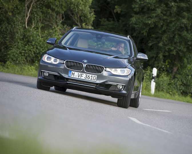 BMW 3 Series Touring 328i (2014)