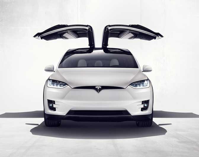Tesla Model X P90D (2016)