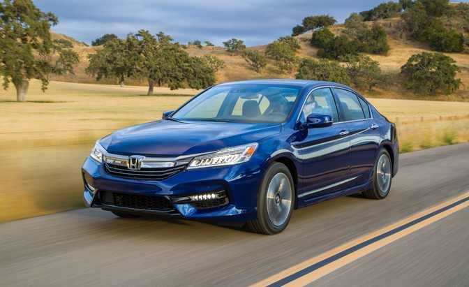 Honda Accord Hybrid (2017)