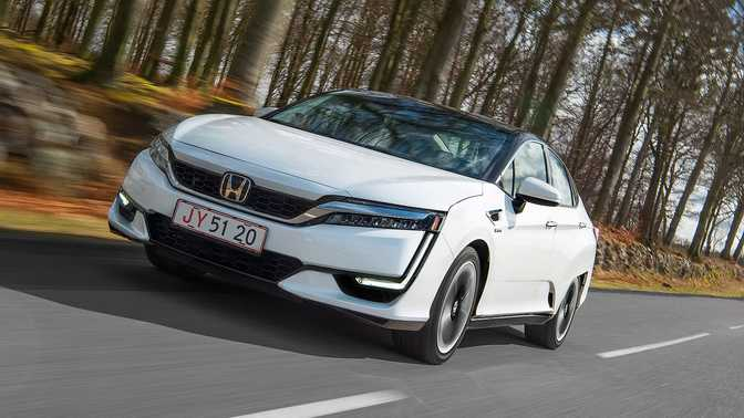 Honda Clarity Fuel Cell (2017)