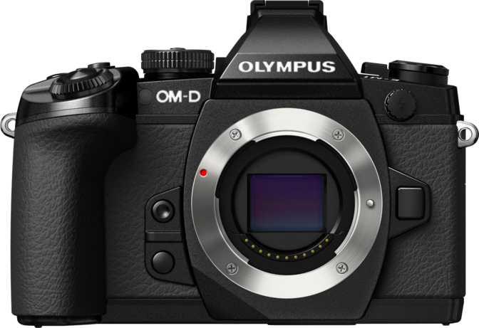Olympus OM-D E-M5 II + Olympus M.Zuiko 14-42mm F3.5-5.6 II R vs Olympus OM-D E-M1