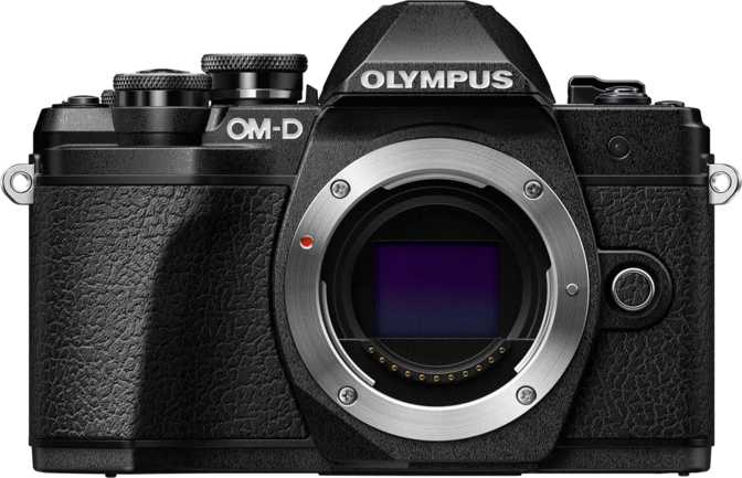 Olympus OM-D E-M10 Mark III vs Canon EOS 700D + Canon EF-S 18-135mm f/3.5-5.6 IS STM