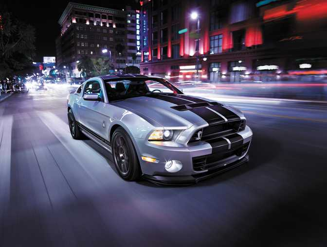Ford Mustang Shelby GT500 (2014) vs Chevrolet Corvette ZR1 (2019)