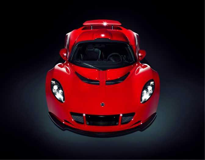 Bugatti Veyron 16.4 Grand Sport (2013) vs Hennessey Venom GT (2014)