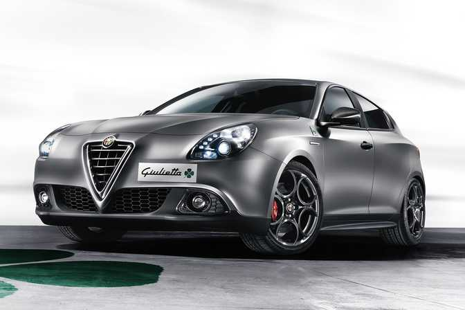 BMW 320i Sedan (2014) vs Alfa Romeo Giulietta 2.0 JTDM (2014)