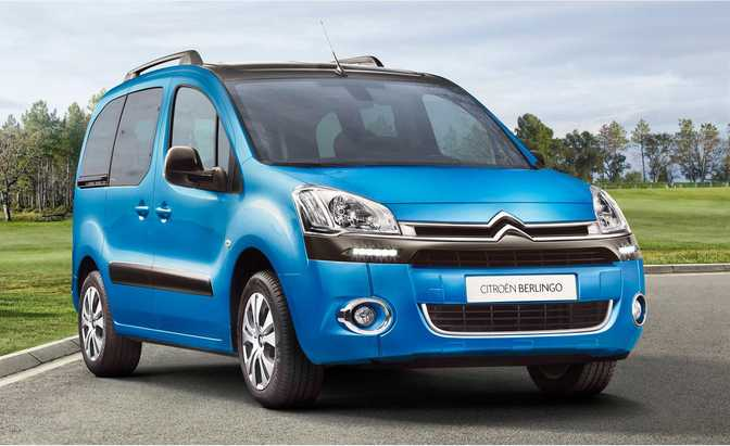 Fiat Doblo 1.4 (2014) vs Citroen Berlingo Multispace VTi 95 (2014)