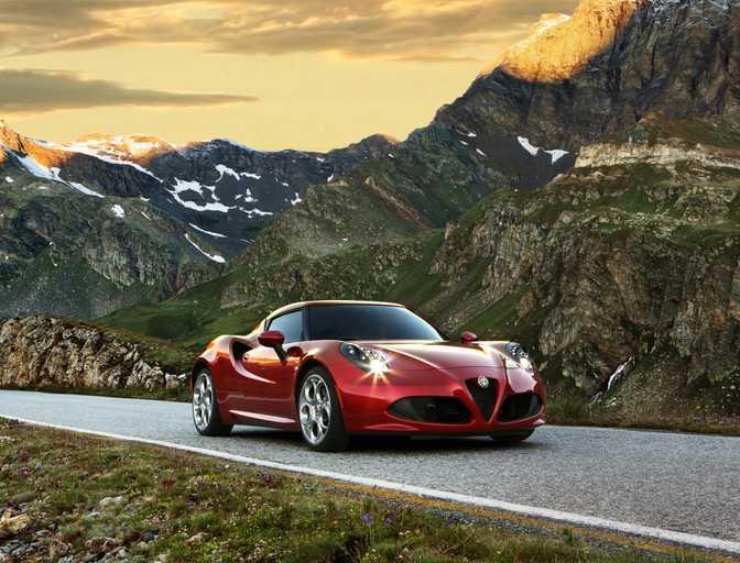 Porsche Boxster GTS vs Alfa Romeo 4C