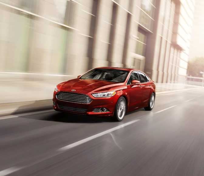 Ford Fiesta ST (2014) vs Ford Fusion S (2014)
