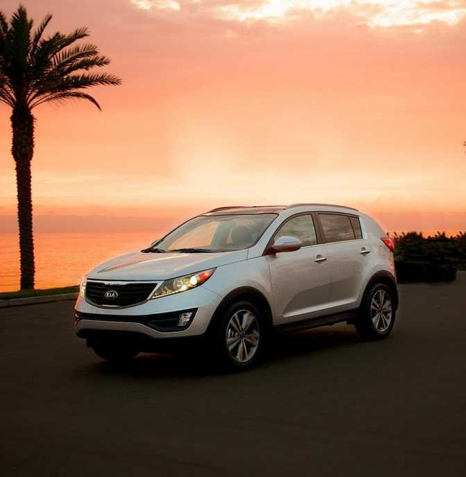 Kia Sportage LX (2014) vs Mercedes-Benz GL450 4MATIC (2014)