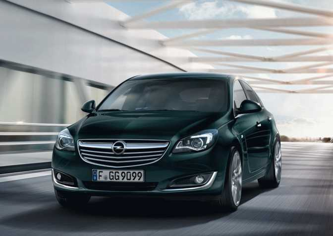 Volvo S60 (2014) vs Opel Insignia 4-Door Saloon (2014)