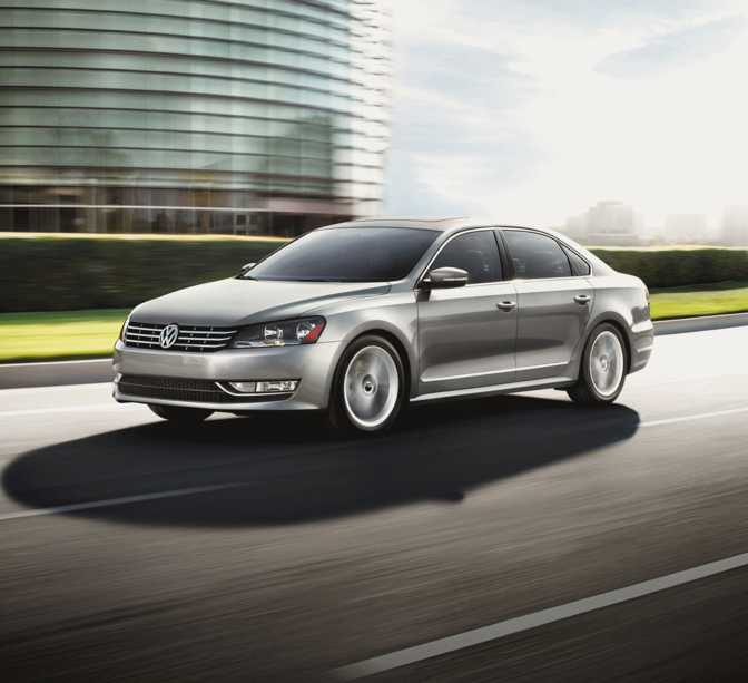 Ford Focus SE Hatch (2014) vs Volkswagen Passat (2014)