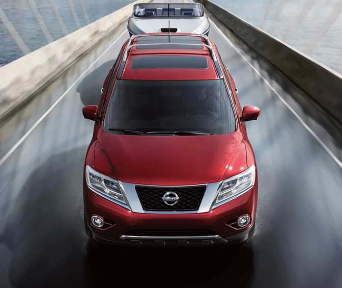 Subaru Forester 2.5i (2015) vs Nissan Pathfinder S 4x4 (2014)