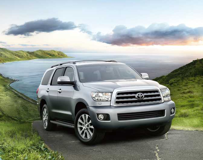 Toyota Land Cruiser (2014) vs Toyota Sequoia SR5 (2014)