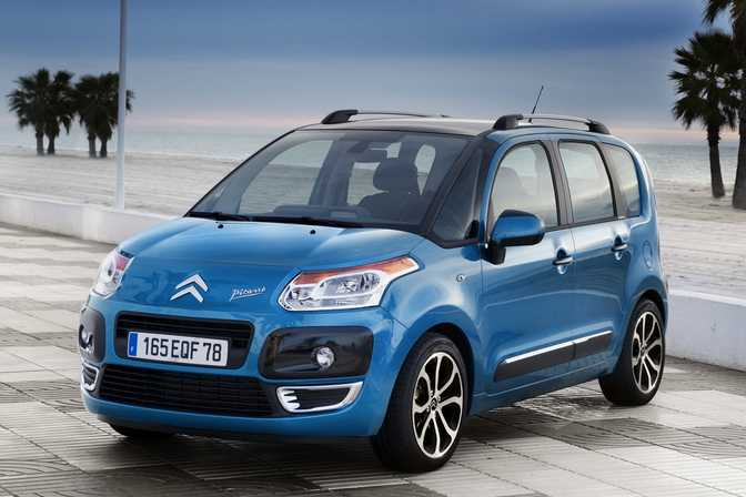 Fiat 500L MPW Pop Star 1.3 Multijet (2014) vs Citroen C3 Picasso 1.4 VTi 95 VT (2014)