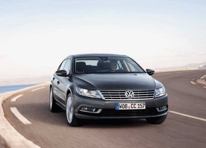 Mercedes-Benz E250 BlueTEC Sedan (2014) vs Volkswagen CC (2014)
