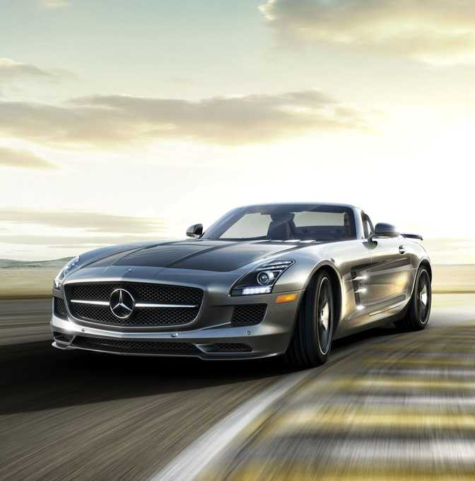 BMW M4 Coupe (2015) vs Mercedes-Benz SLS AMG (2014)