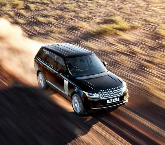 Ford Explorer (2017) vs Land Rover Range Rover 3.0L TDV6 Diesel Vogue (2013)