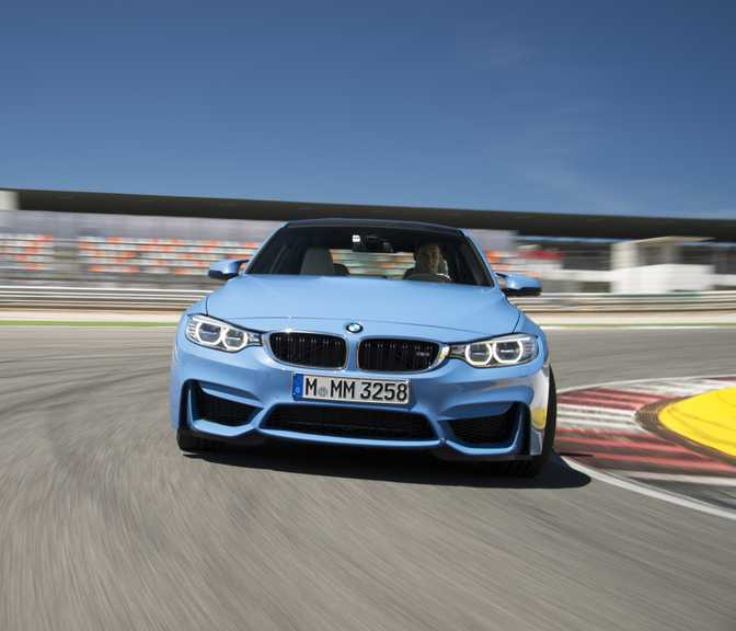 BMW M4 Coupe (2015) vs BMW M3 Sedan (2015)