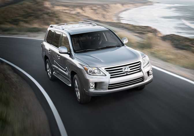 Toyota Land Cruiser (2014) vs Lexus LX 570 (2014)