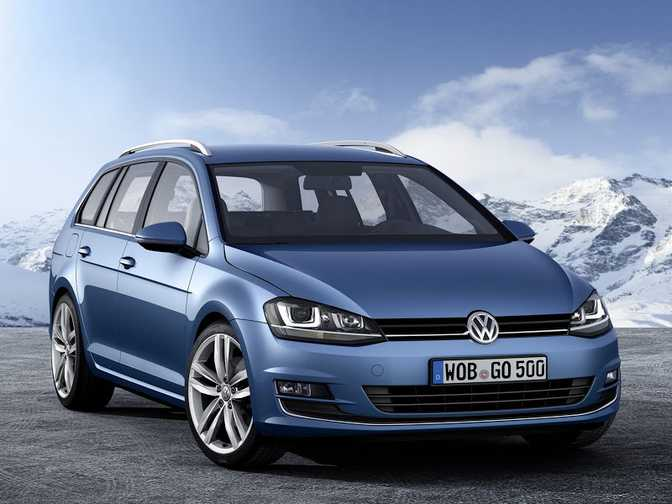 Volkswagen Passat (2014) vs Volkswagen Jetta SportWagen S 2.5L (2014)