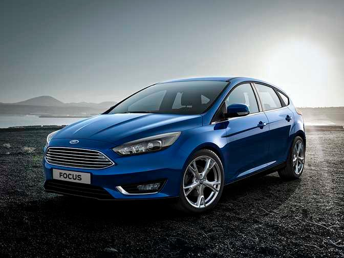 Ford Fiesta SE Hatch (2014) vs Ford Focus SE Hatch (2014)