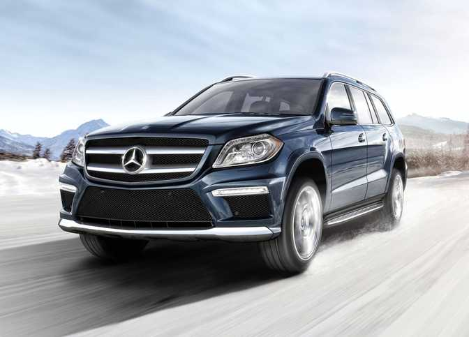 Audi A8 (2014) vs Mercedes-Benz GL450 4MATIC (2014)