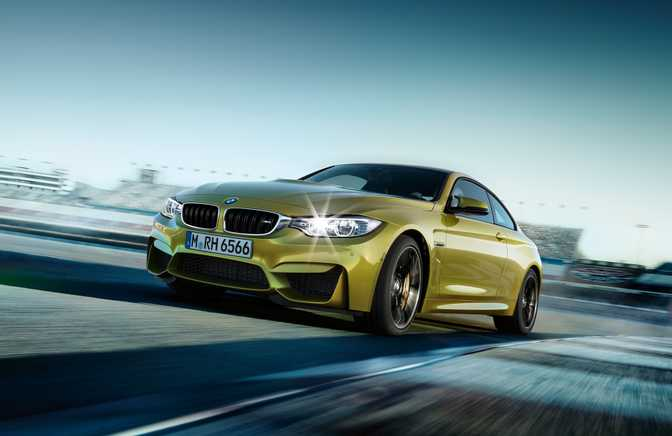 BMW 4 Series Convertible 420d (2014) vs BMW M4 Coupe (2015)