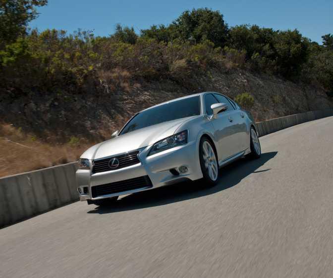 Toyota RAV4 LE (2014) vs Lexus GS 350 (2014)