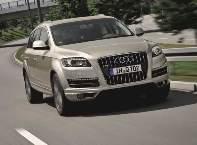 Audi Q7 Premium 3.0 TFSI (2014) vs Mercedes-Benz GL450 4MATIC (2014)