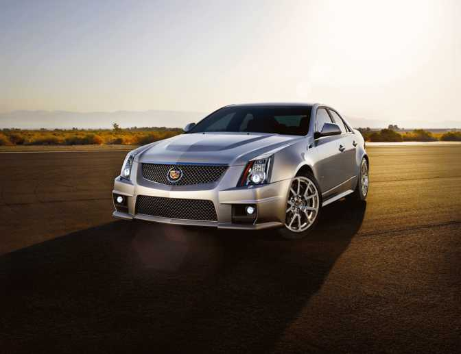 Cadillac CTS Sedan (2014) vs Renault Megane RS 265 (2014)