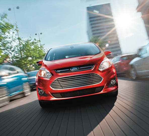 Ford Focus ST (2014) vs Ford C-MAX Hybrid (2014)