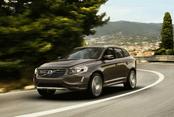 Volvo XC60 (2015) vs Suzuki Grand Vitara 3-door Navigator (2014)