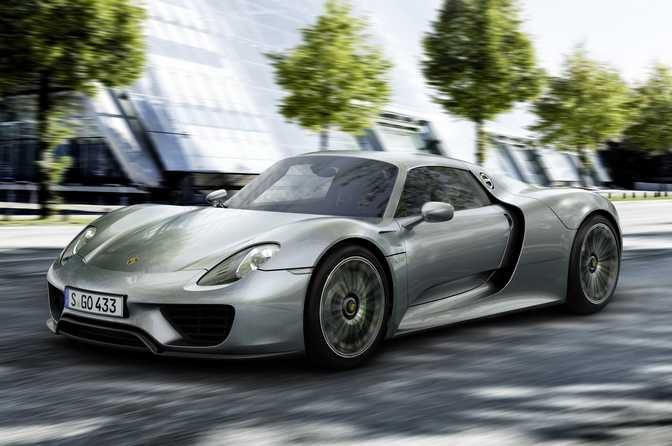 Porsche 911 Turbo (2014) vs Porsche 918 Spyder (2015)