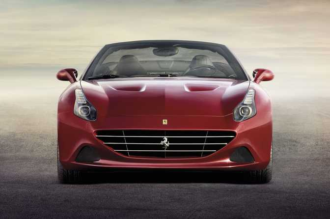 Porsche 911 Turbo (2014) vs Ferrari California T (2014)