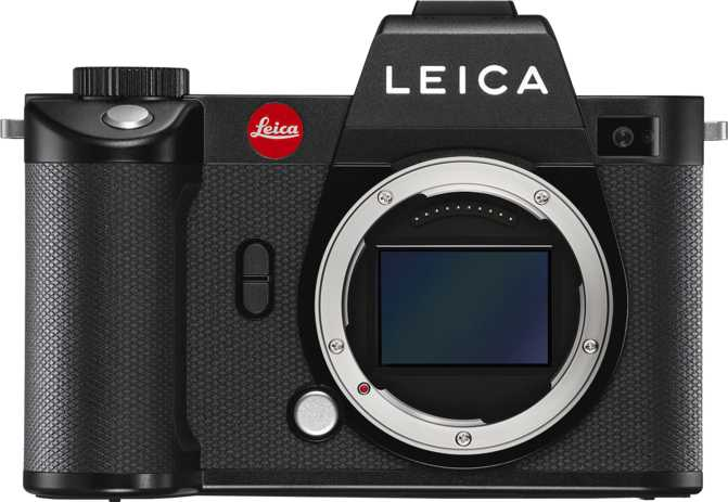 Leica SL2 vs Canon EOS 5D Mark IV + Canon EF 24-105mm f/4L IS USM