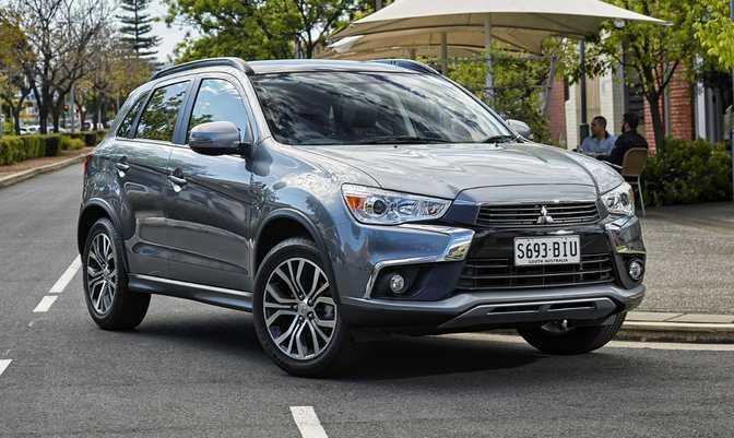 Volkswagen Tiguan 2.0T (2014) vs Mitsubishi ASX (2017)