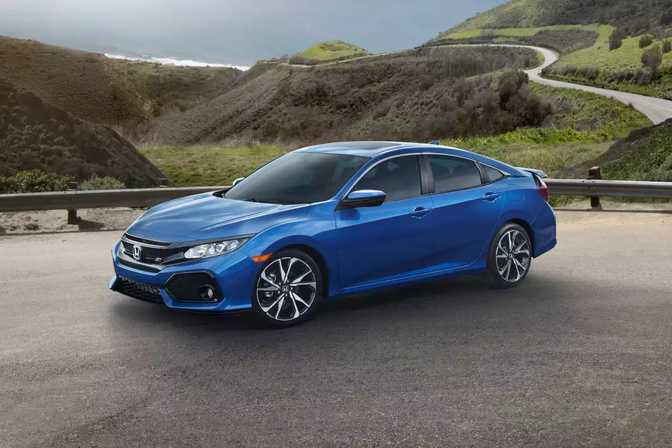 Chevrolet Cruze LS (2014) vs Honda Civic Sedan (2018)